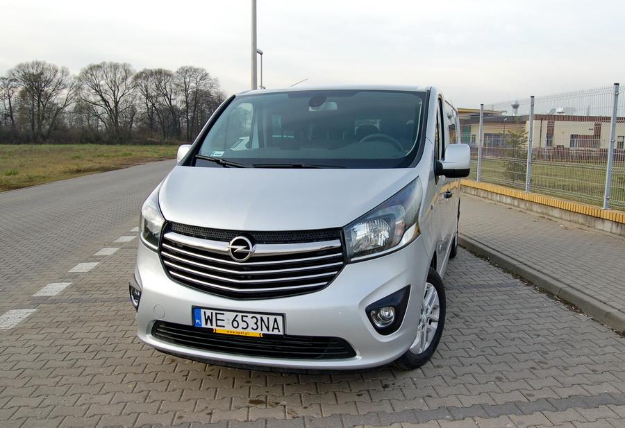 opel-vivaro-crew-cab-przod