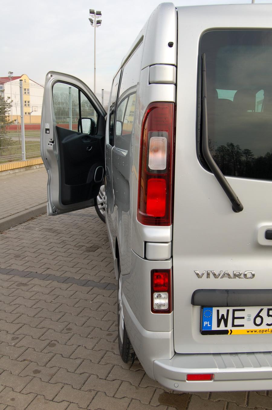 opel-vivaro-crew-cab