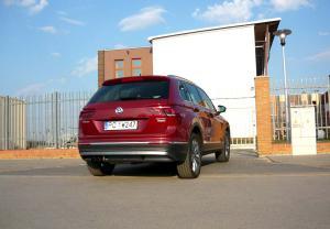 VW-Tiguan-tyl