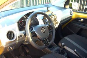 VW-UP!-kokpit