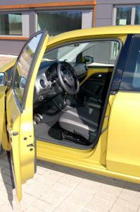 VW-UP-deska-pozycja-kierowc