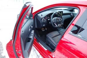 mercedes-A220-drzwi-kierowc