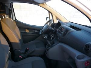 Nissan NV200 pozycja-kierowcy